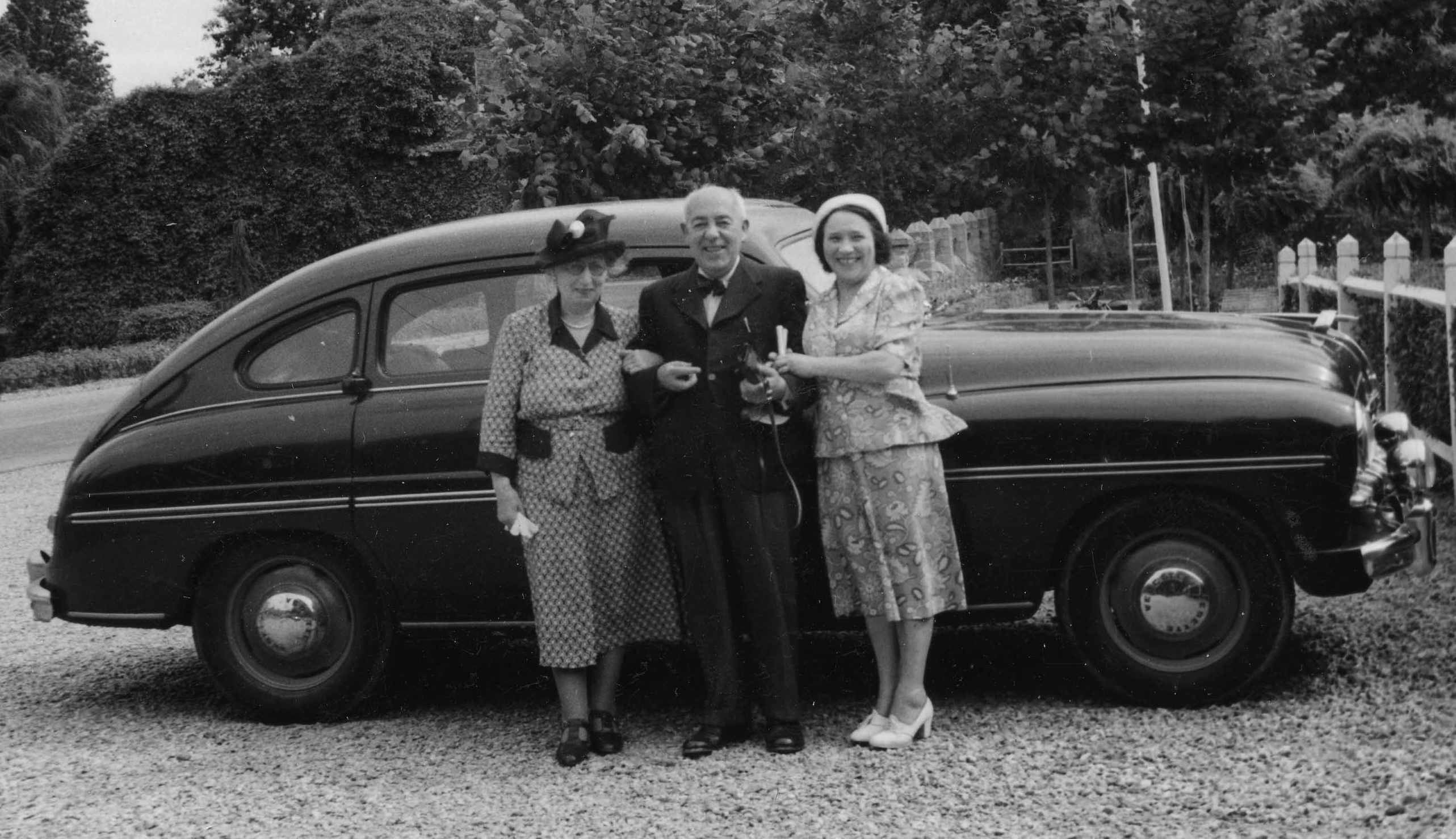 Photograph of Edmund and Marianne Blampied with Lucie Lizon